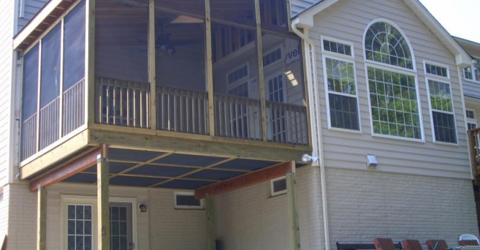 100215055417_screened_porch1
