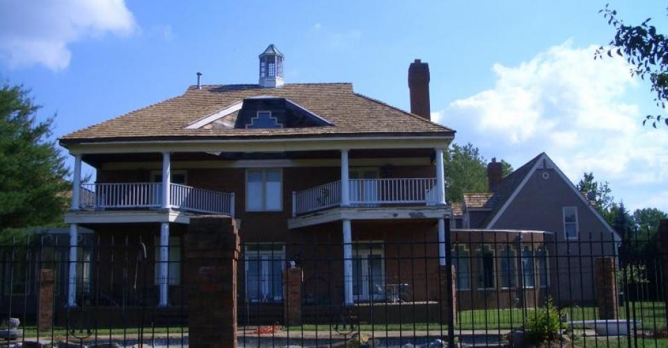 100320060100_cedar_roof_woodmore3